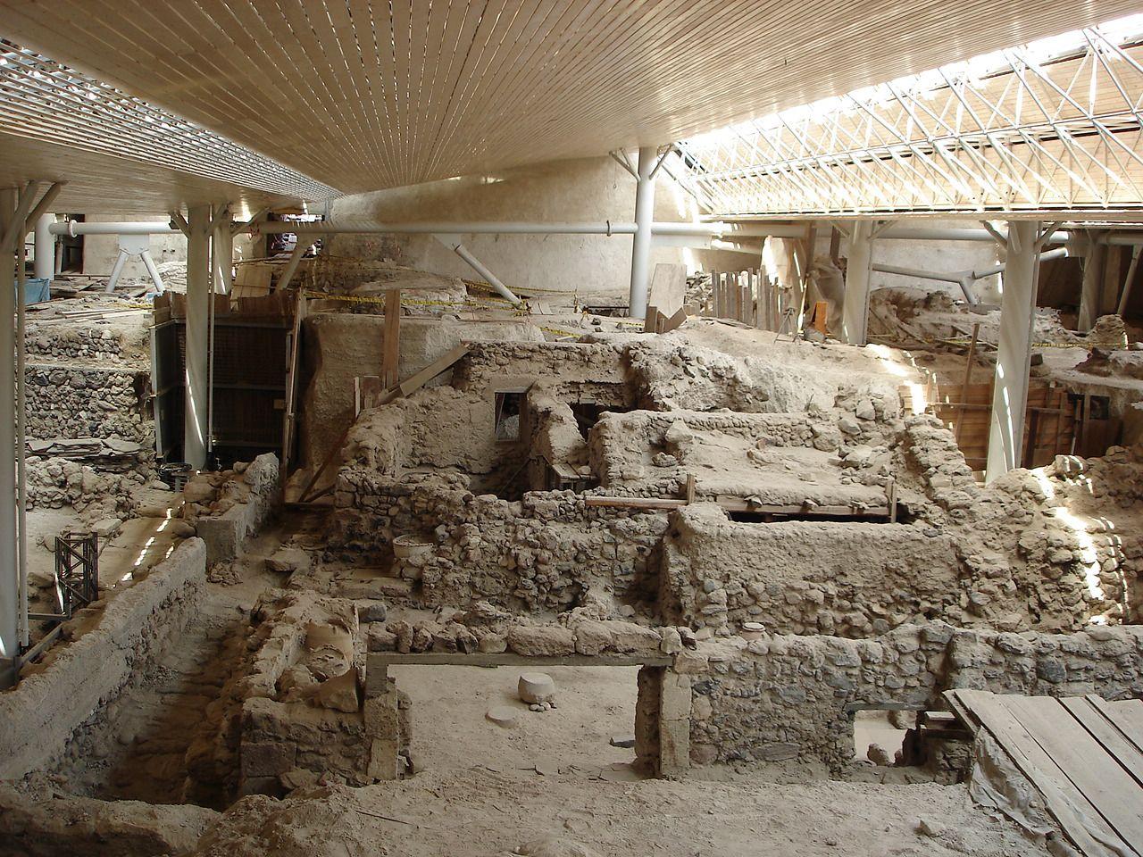 Prehistoric_Site_of_Akrotiri,_Santorini_-_Greece.jpg
